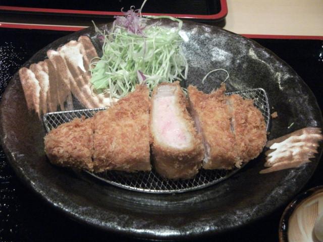 とんかつ&amp;<br />  サラダバーよしかつ西新井店