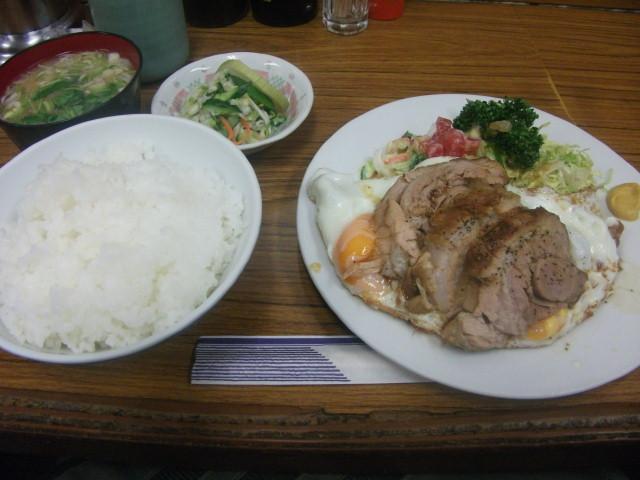 八千代のチャーシューエッグ定食